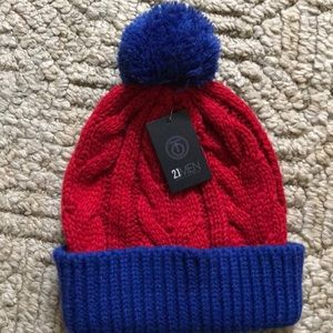 NEW Forever 21 red and blue beanie
